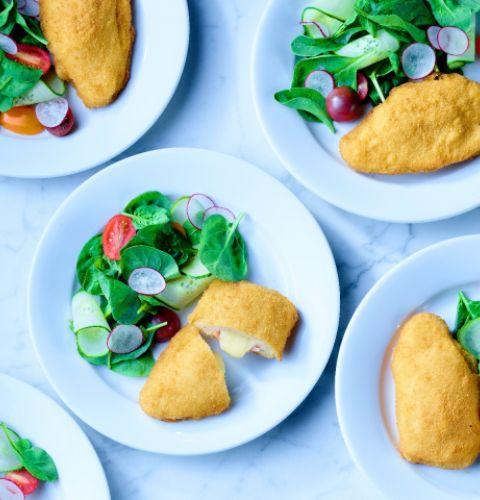 Escalopettes de poitrine de poulet panées Cordon Moritz, farcies au jambon et fromage