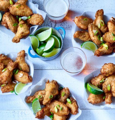 Ailes de poulet sel et poivre larges, coupées, entièrement cuites (assaisonnées)