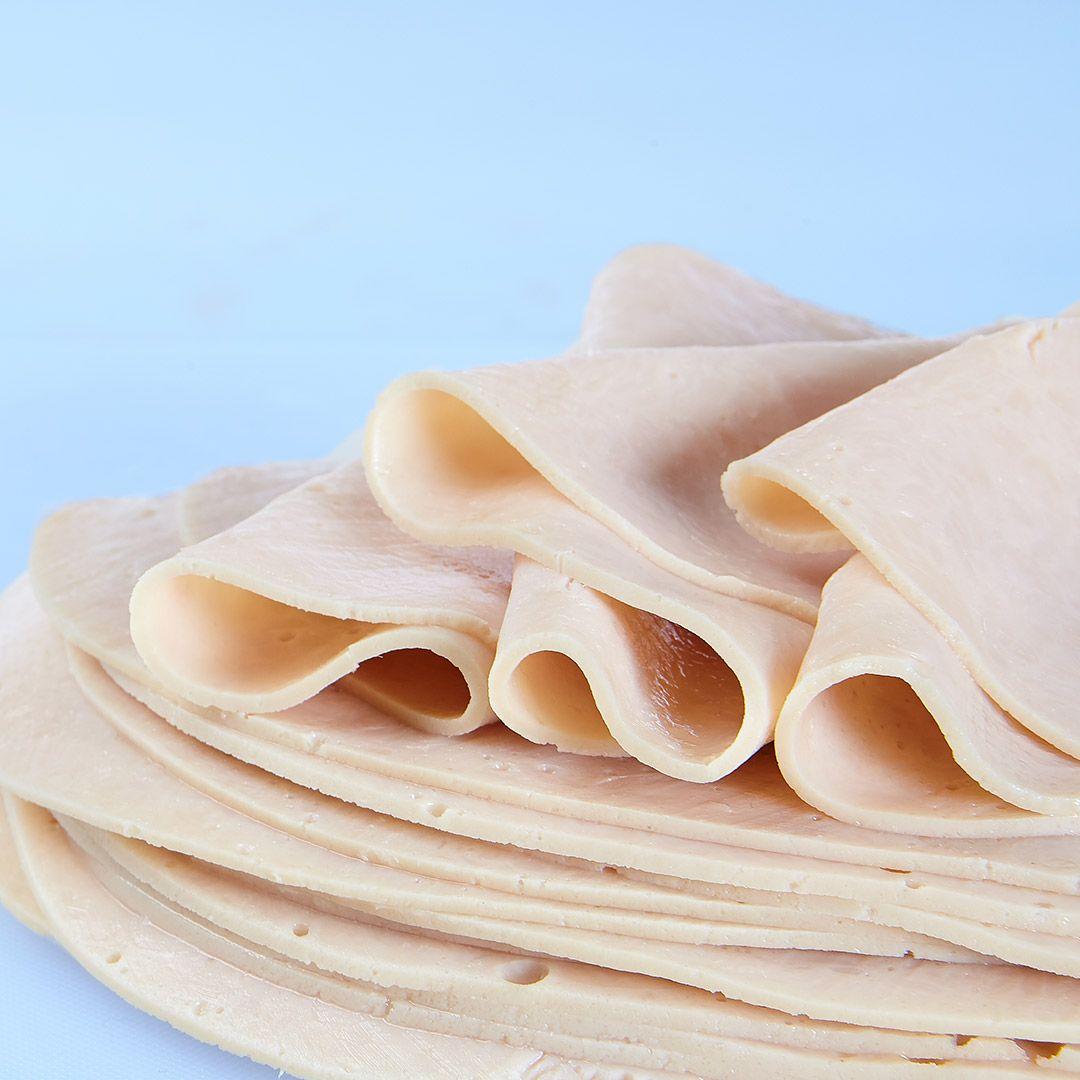 Roti de poitrine de dinde cuit, avec carraghénine