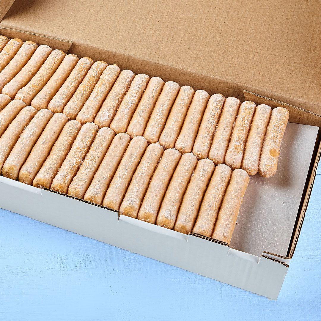 Pork & beef sausages preserved, uncooked in a 100% vegetal casing