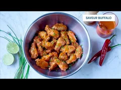 Ailes de poulet coupées Buffalo piquantes, entièrement cuites